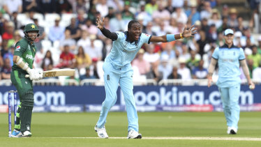 """Jofra Archer is someone who likes to """"influence a game"""", according to Jason Gillespie."""