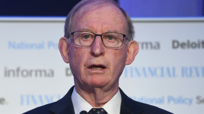 Back to the 80s: AMP's Murray warns banks stifled by 'black-letter law'