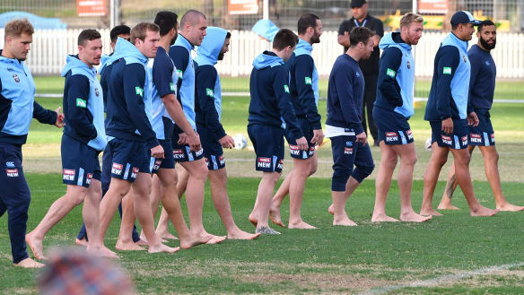 Barefoot Blues impossible to miss in Coogee Oval 'nutrient' stroll