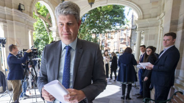 Stirling Hinchliffe will introduce legislation to sack the Ipswich City Council when parliament resumes.