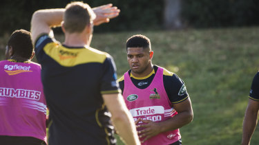 Rob Valetini is back at training after injuring his knee in round one.