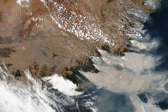A January 4 satellite image from NASA shows smoke from the Black Summer fires in Victoria and NSW. If they had been their own country, they would have been one of the world's top emitters.