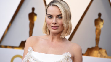 Our favourite celebrity eyebrows right now belong to actor and producer Margot Robbie