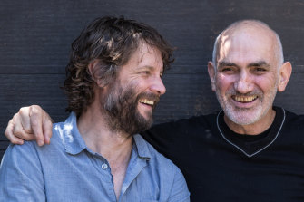 Ben Quilty and Paul Kelly shoot the breeze.