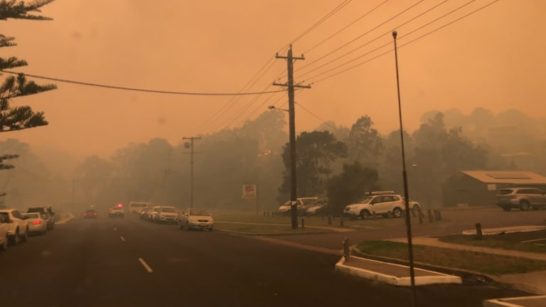 On Sunday afternoon smoke enveloped the town of Tathra, before the bushfire tore through.