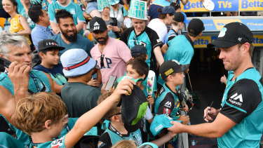 AB De Villiers was a hit with Heat fans in Brisbane.