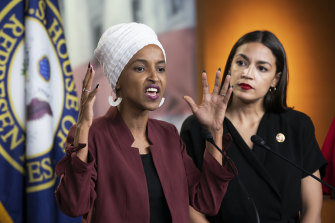 Ilhan Omar and Alexandria Ocasio-Cortez echoing a similar style to Steinem and the women of the second-wave feminism movement.