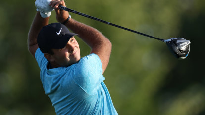 Reed grabs US Open lead, Tiger misses cut