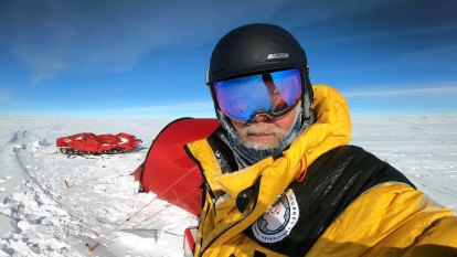 Solo explorer becomes first Australian to reach Antarctica's Pole of Inaccessibility