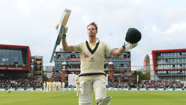 Steve Smith acknowledges the crowd after his 211 in the fourth Test.