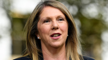 Catherine King will announce Labor's plan to set up a national health commission at the Press Club on Wednesday.