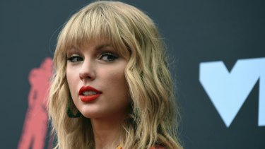 Taylor Swift will perform at the Melbourne Cup.