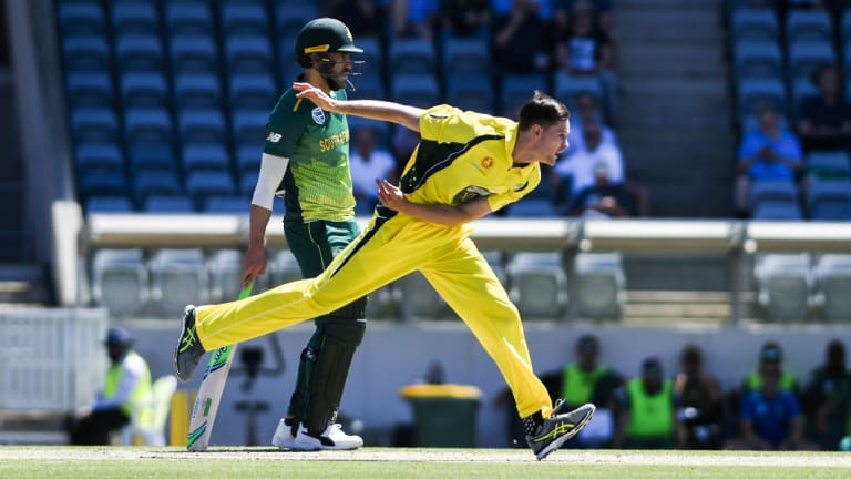 Jason Behrendorff was on fire in his first over against South Africa.
