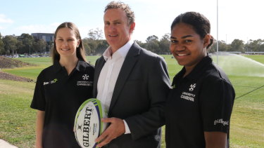 UC Sevens: Claudia Obst, coach David Grimmond and Ema Masi.