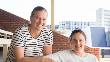 Melbourne Renegades players Lea Tahuhu and Amy Satterthwaite