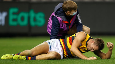 Tom Doedee came off second best from a clash with Anthony McDonald-Tipungwuti.