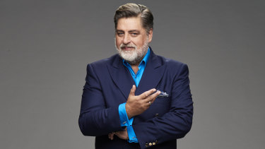 Matt Preston opts for a more conventional look in his first post-MasterChef hosting gig on Plate of Origin.