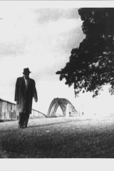 Arthur Stace in a scene from <i>Eternity</i>.