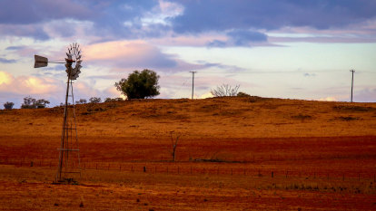 NSW warns Dubbo council: do more or face strict water restrictions