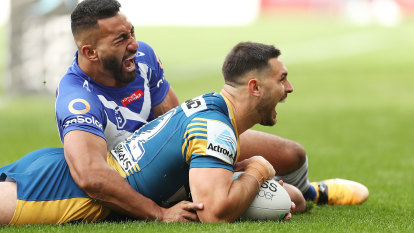 'I will be asking questions': Barrett fumes as Eels chase down Dogs