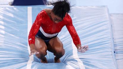 Tokyo Olympics LIVE updates: Simone Biles' shock withdrawal, Titmus headlines swimming, rowing finals get under way