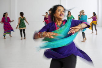 Bollywood teacher Jagriti Bhatia has provided a free online Bollywood dance class, via VicHealth's This Girl can platform, to help get women enjoying movement.
