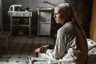 Viktoria Miroshnichenko as Iya in Beanpole.