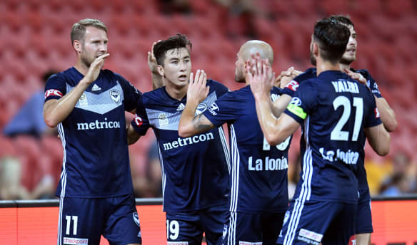 Victory hammer Roar 5-0 to move to within one win of the A-League lead