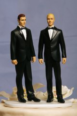 The gay wedding cake debate is about the clash between freedom of speech andfreedom of religion.