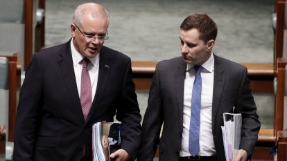 Liberal powerbroker Alex Hawke backs 'intelligent' quotas for women