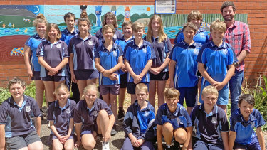 The schoolkids from year 5 and 6 at Cobargo Public School.