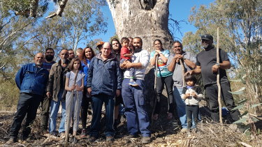 Tatti Tatti traditional owners during a cultural flow planning project at Margooya Lagoon in north-west Victoria.
