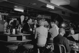 The Oyster Bar at Romano's on June 7, 1958.