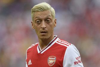 Arsenal manager Unai Emery says Mesut Ozil has skills his side need.