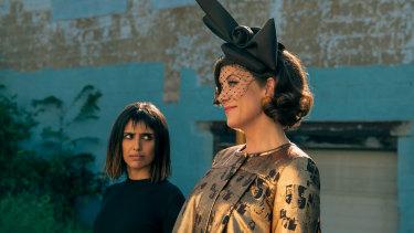 Ritu Arya as Lila and Kate Walsh as The Handler in The Umbrella Academy.