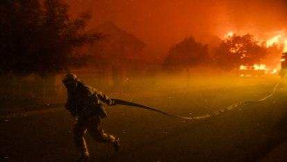 New wildfires scorch wine country in northern California