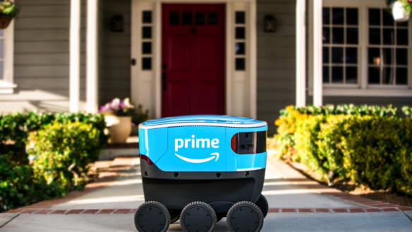 Amazon starts testing delivery robots in residential streets