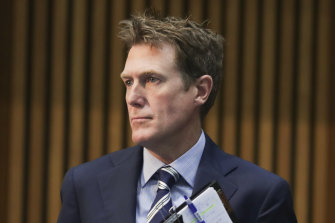 Attorney-General and Minister for Industrial Relations Christian Porter has urged the Fair Work Commission to prioritise jobs when deciding on the minimum wage.