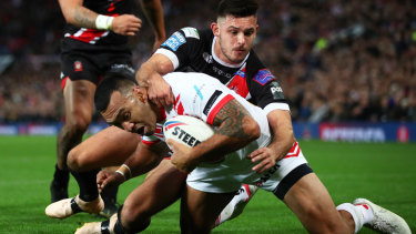 Australian connection: Former Titan and Knight Zeb Taia scores St Helens' second try.