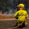 Residents return as rain dampens Queensland bushfires