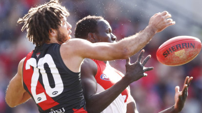 Bombers ruckman out of hospital, tipped to return next week