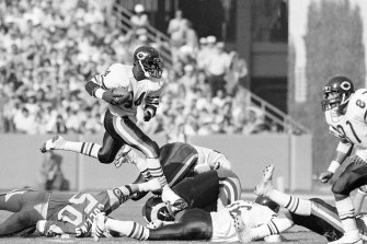 Chicago Bears running back Walter Payton in action.