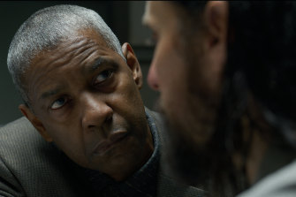 Denzel Washington and Jared Leto in a scene from The Little Things.