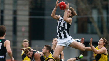 Ex-Docker Chris Mayne didn't let a season in the VFL dent his hunger for AFL success.