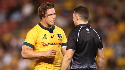 Defiant Hooper wants to remain Wallabies captain as he closes in on record