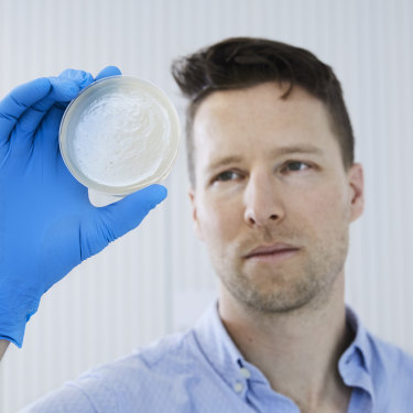 "Melbourne-based scientist Jeremy  Barr worked on ""cleaning"" the phages that eventually saved  a man's life."