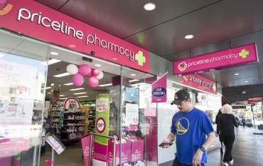 API board backs Wesfarmers' raised offer for Priceline owner