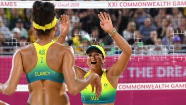 Taliqua Clancy (left) and Mariafe Artacho del Solar won silver for Australia.