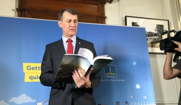 Brisbane's lord mayor Graham Quirk begins a campaign for a City Deal funding package for 10 councils on Tuesday morning.