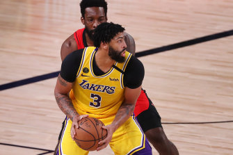 Anthony Davis in action for the Lakers against the Rockets.